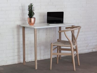 Skrivebord uden skuffer til hjemmekontoret