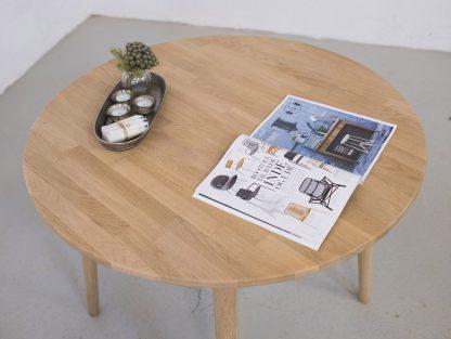 Rundt spisebord i egetræ med udtræk